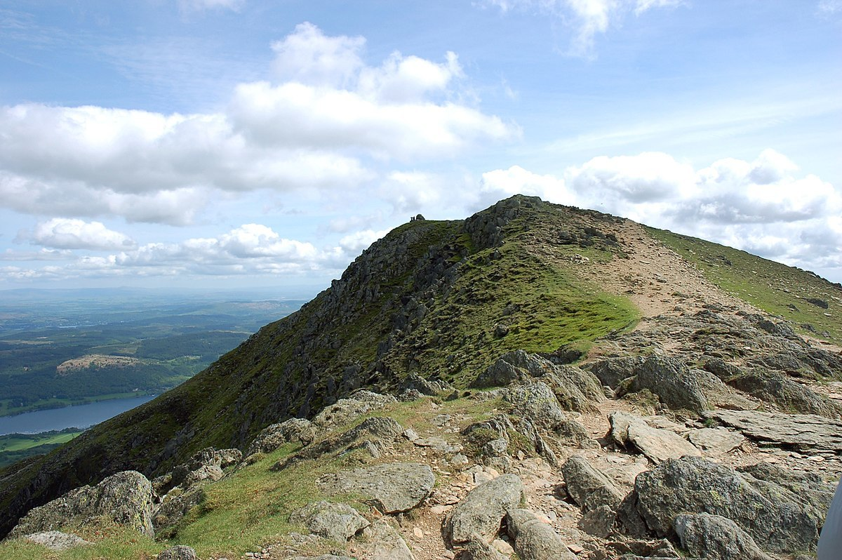 1200px-Old_Man_of_Coniston_-_panoramio.jpg