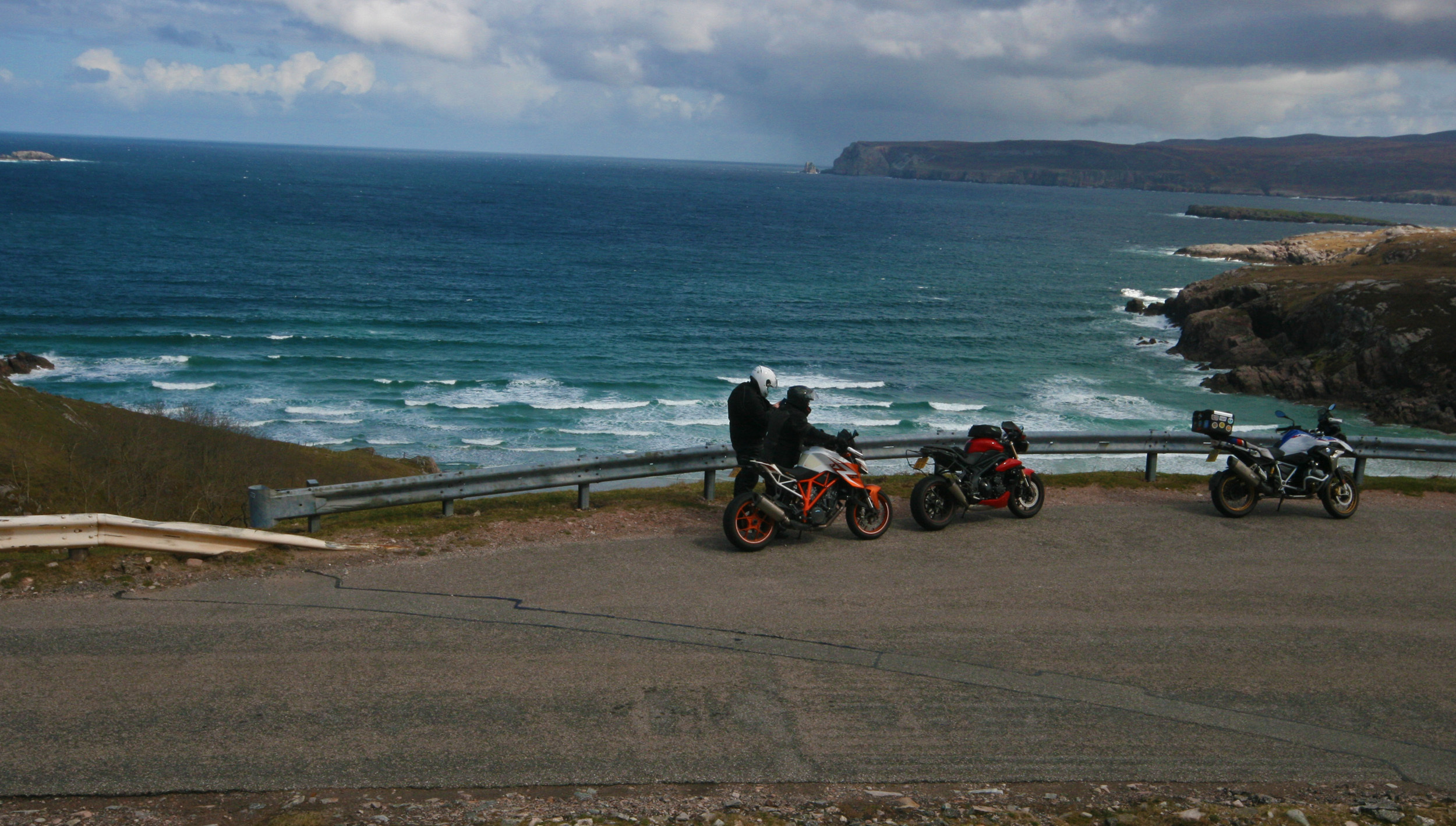 along from Durness.JPG