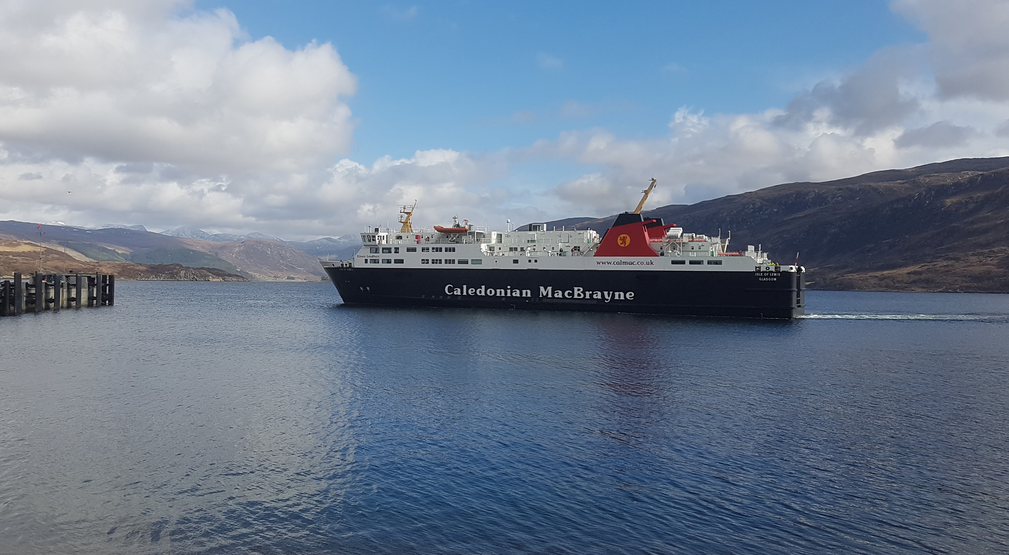 ferry coming into Ullapool Harbour.jpg