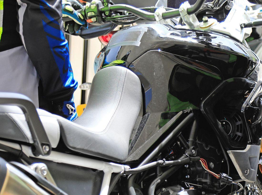 Triumph-Tiger-800-Erlkoenig-articleGalleryOverlay-c6c16e94-1617497.jpg