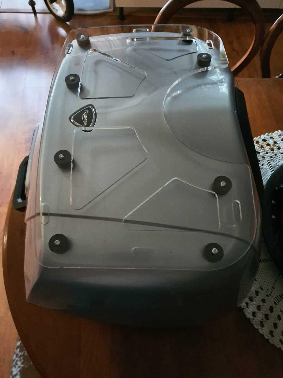 Triumph trophy top box luggage rack 1.jpg