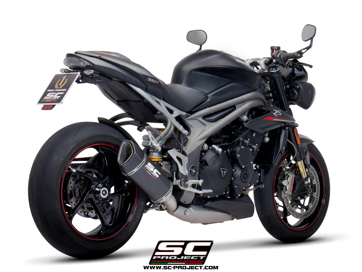Triumph_Speed-Triple-1050_my2018_SC1-R-Carbonio_3-4-Posteriore.jpg