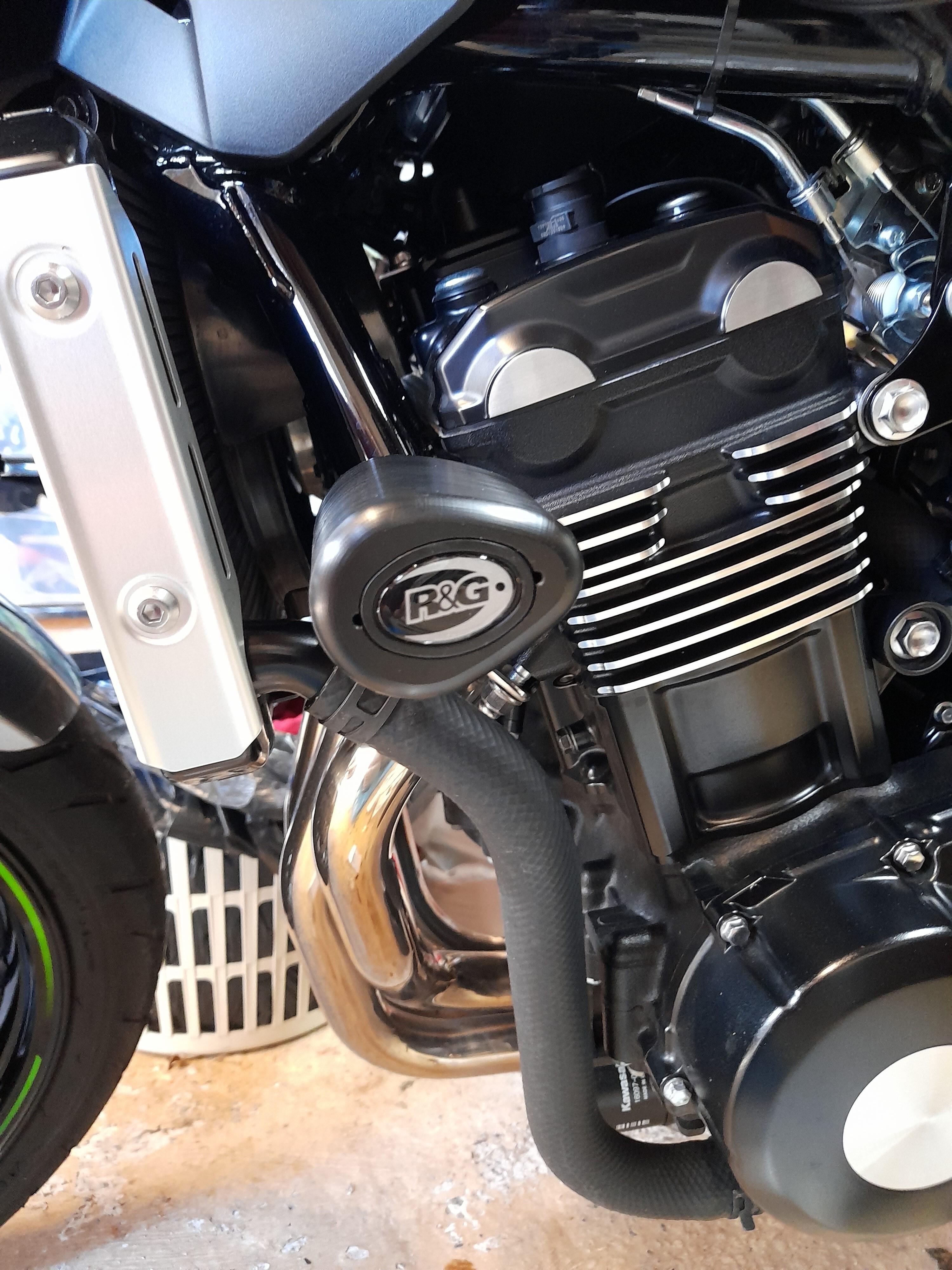 Z900RS R&G Crash Bobbins 001 (2).jpg